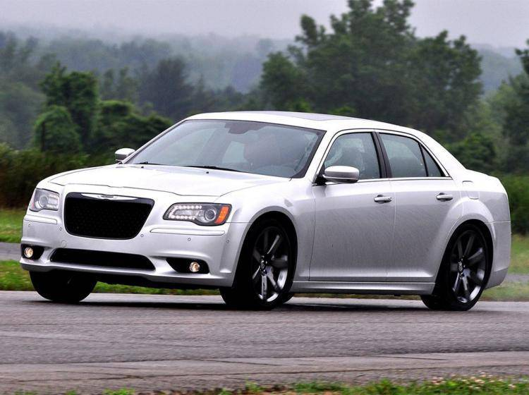 Фото Chrysler 300C SRT8 II - конкурент Maserati Ghibli M157
