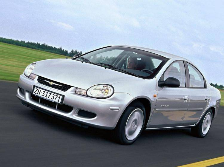 Фото Chrysler Neon II - схожий с Ford Focus (North America) II