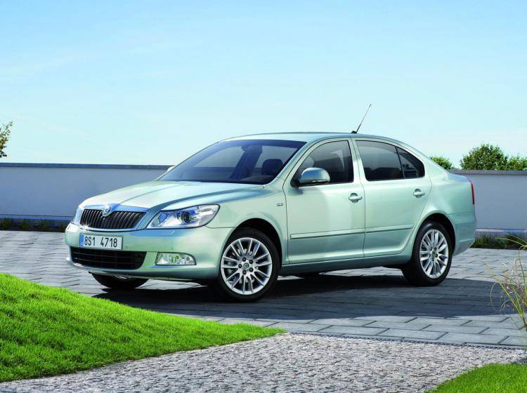 Фото Skoda Octavia A5 рестайлинг - конкурент Honda Civic Type R VIII