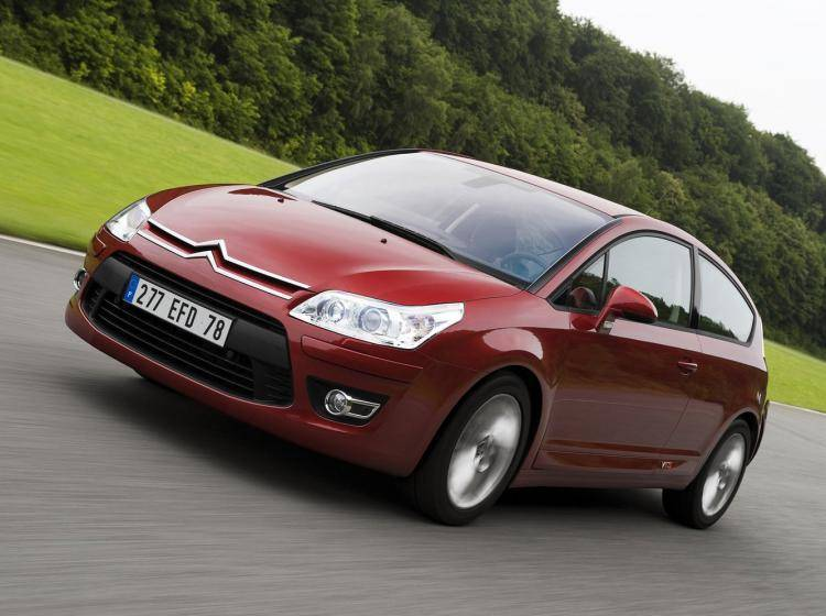 Фото Citroen C4 I рестайлинг - конкурент Honda Civic Type R VIII