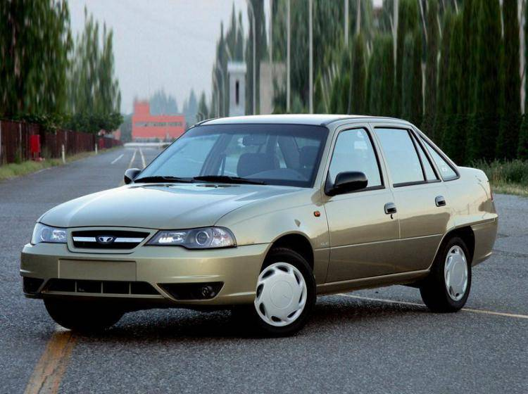 Фото Daewoo Nexia I рестайлинг - схожий с Ford Focus (North America) II