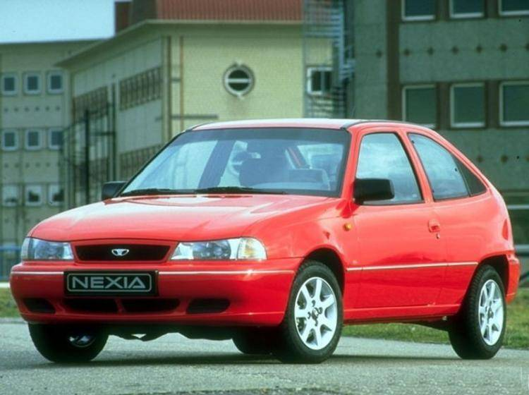 Фото Daewoo Nexia I - схожий с Ford Focus (North America) II
