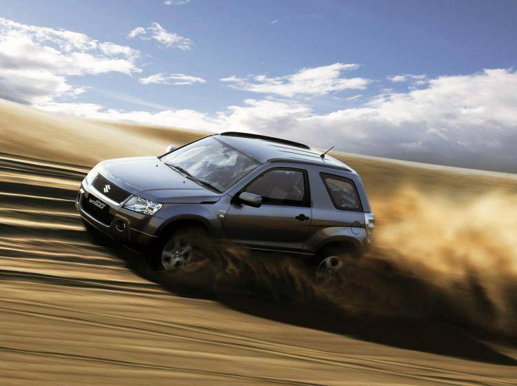 Фото Suzuki Grand Vitara JT - схожий с Toyota Land Cruiser 70