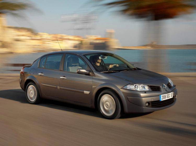Фото Renault Megane II рестайлинг - схожий с Ford Focus (North America) II