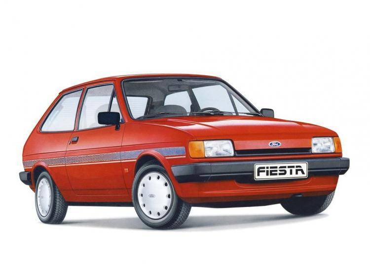 Фото Ford Fiesta II - конкурент Honda City II