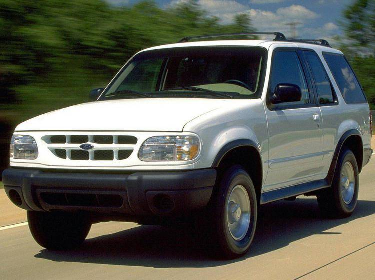 Фото Ford Explorer II - конкурент Chevrolet Suburban GMT400