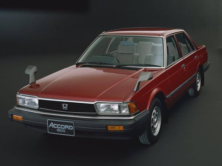 Фото Honda Accord II - конкурент Mazda 626 GC
