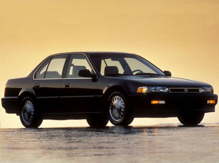 Фото Honda Accord IV - конкурент Ford Taurus II