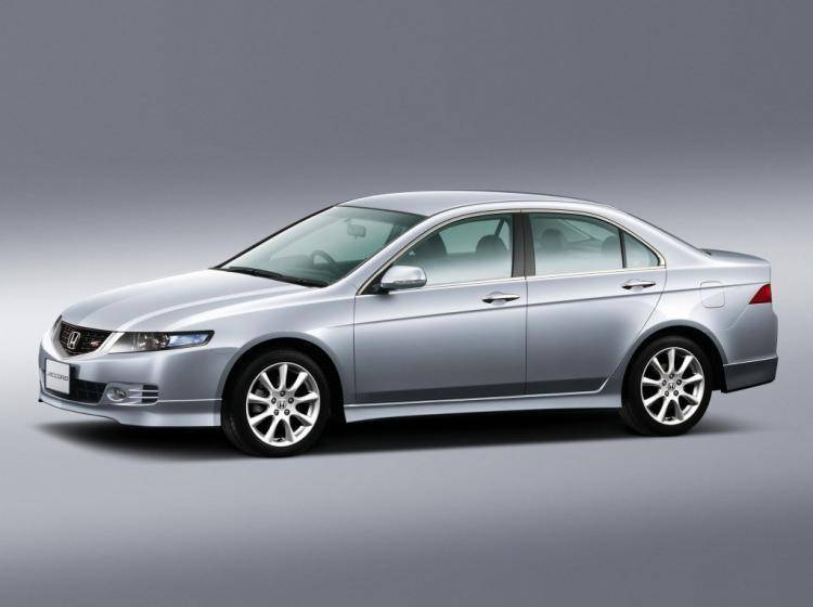Фото Honda Accord VII рестайлинг - конкурент Volvo S60 I рестайлинг