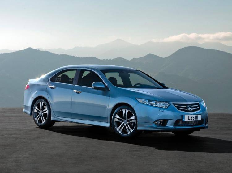 Фото Honda Accord VIII рестайлинг - конкурент Mazda 6 GJ