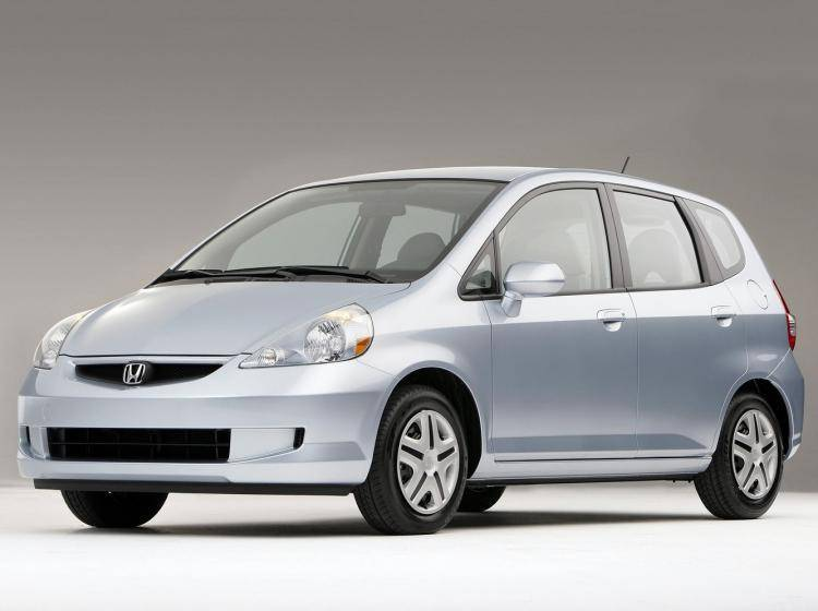 сравнить автомобили nissan march honda fit mazda demio