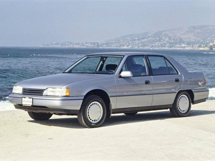 Фото Hyundai Sonata II - конкурент Honda Accord IV