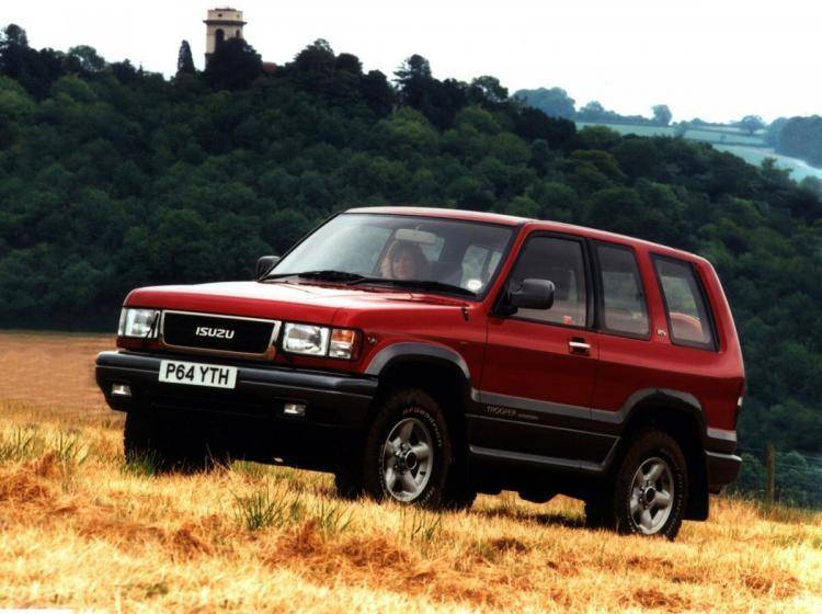 Фото Isuzu Trooper II - конкурент Toyota Land Cruiser 80