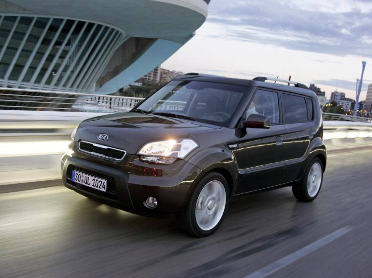 Фото Kia Soul I - схожий с Ford Escape II