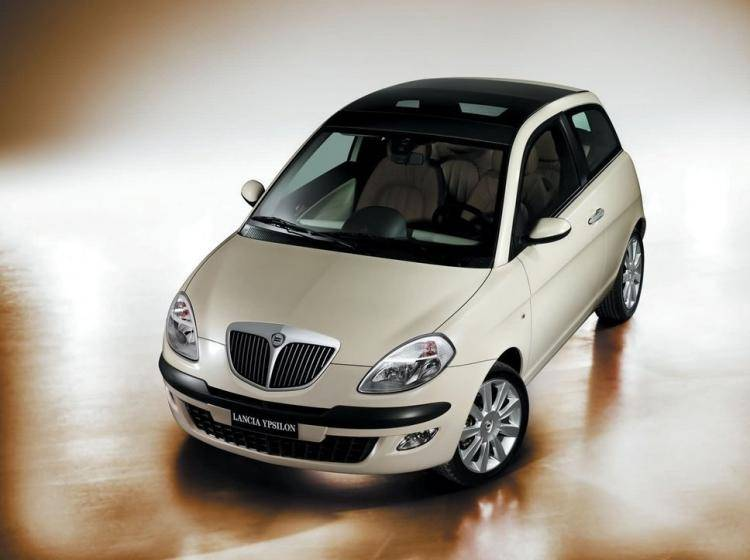 Lancia Ypsilon Ii (type 843) 1.2 MT (80 л.с.)