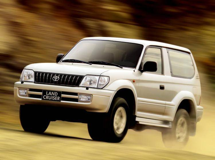 Фото Toyota Land Cruiser Prado 90 рестайлинг - схожий с Toyota Land Cruiser 70