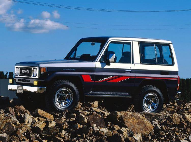 Фото Toyota Land Cruiser 70 - конкурент Toyota Land Cruiser 80