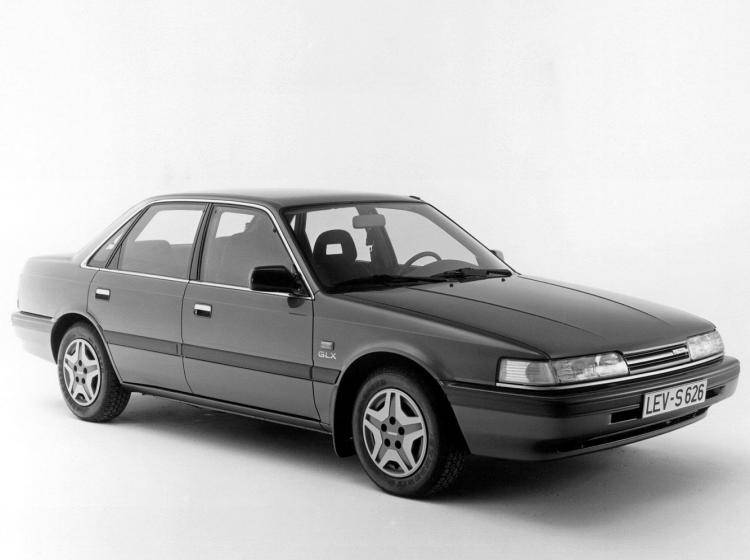 Фото Mazda 626 GD - конкурент Honda Accord IV