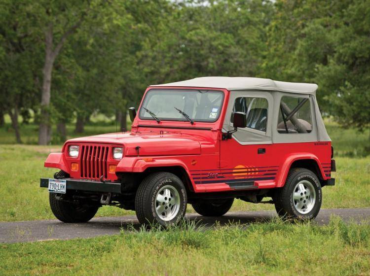 Фото Jeep Wrangler YJ - конкурент Toyota Land Cruiser 80