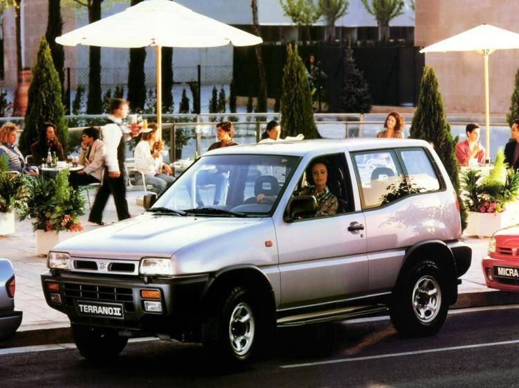 Фото Nissan Terrano II - схожий с Toyota Land Cruiser 70