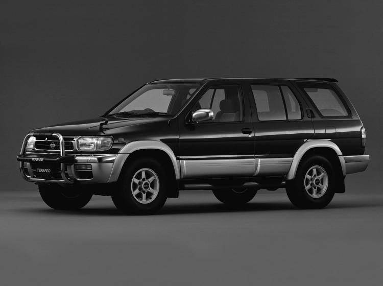 Фото Nissan Terrano R50 - конкурент Isuzu Trooper II