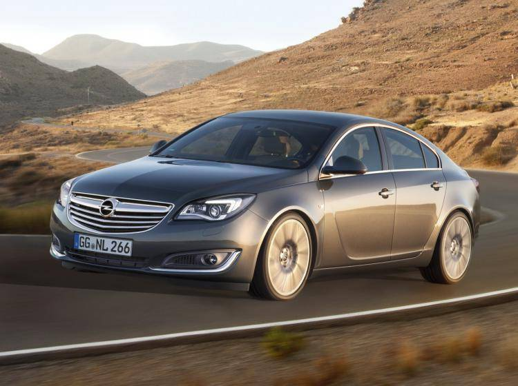 Фото Opel Insignia I рестайлинг - конкурент Skoda Superb II рестайлинг