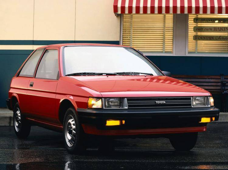 Фото Toyota Tercel L30 - конкурент Honda City II
