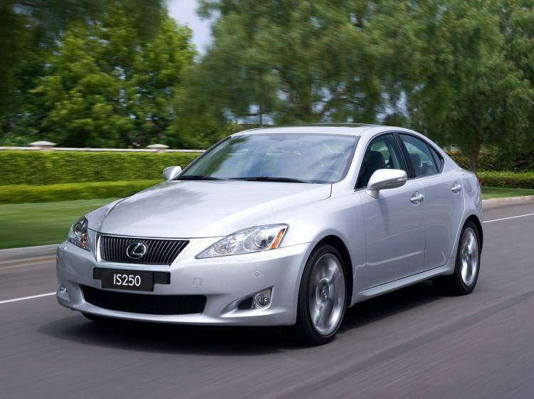 Фото Lexus IS II рестайлинг - конкурент Mazda 6 GJ