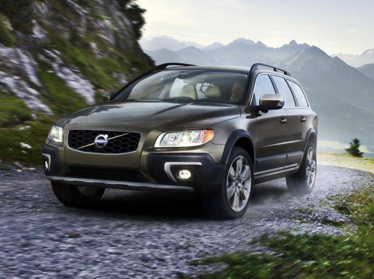 Фото Volvo XC70 II рестайлинг - конкурент Skoda Superb II рестайлинг