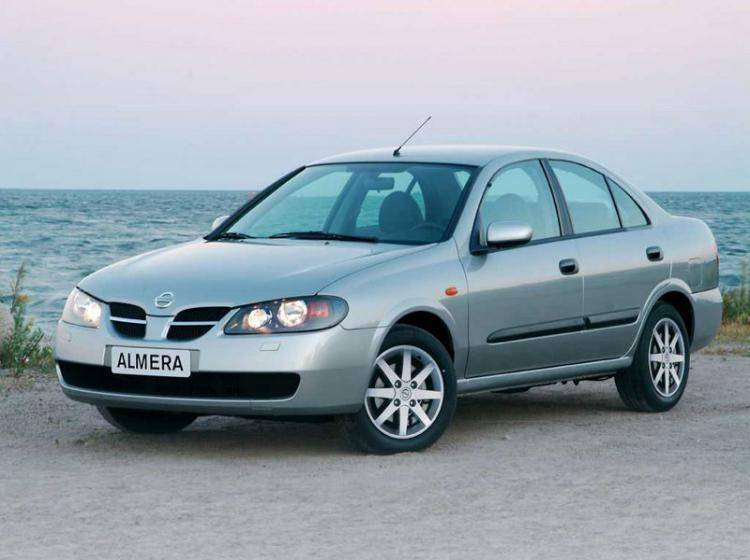 Фото Nissan Almera N16 рестайлинг - конкурент Honda Civic Type R VIII