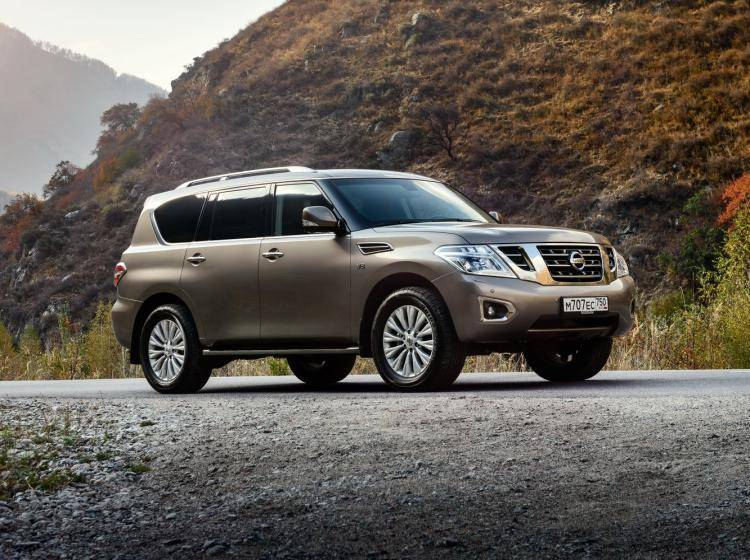 Фото Nissan Patrol Y62 рестайлинг - конкурент Ford Expedition U324 рестайлинг