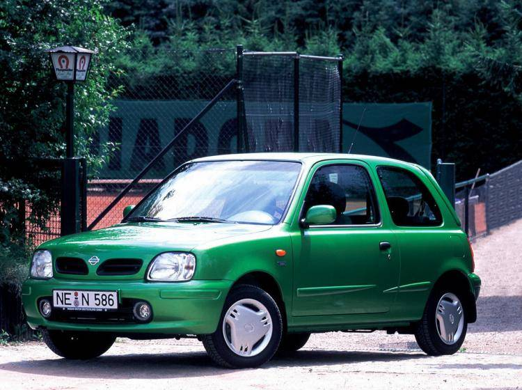 Фото Nissan Micra II - конкурент Honda City II