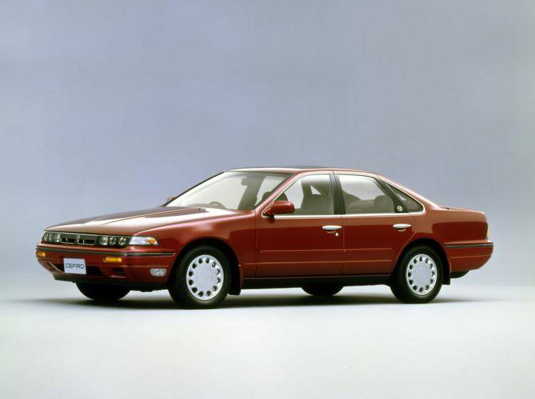 Фото Nissan Cefiro I - конкурент Honda Accord IV