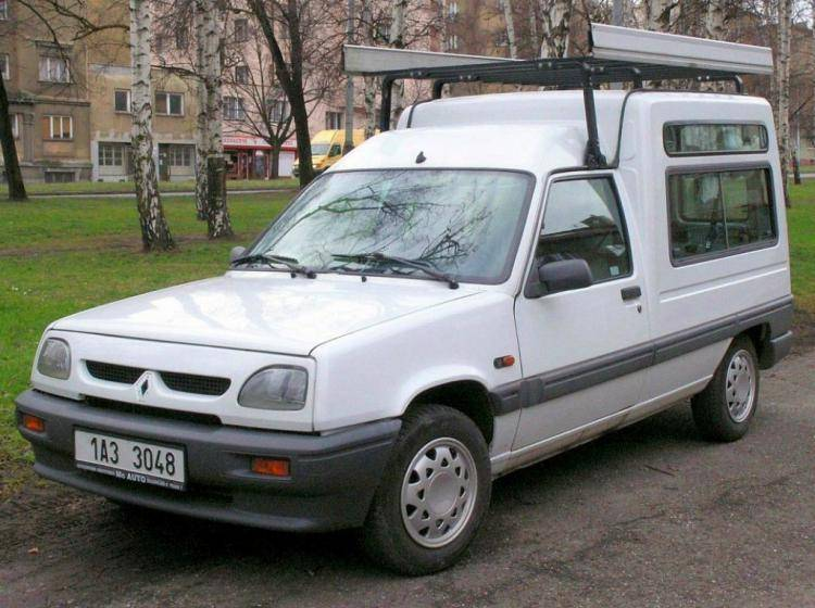 Фото Renault 5 II - конкурент Honda City II