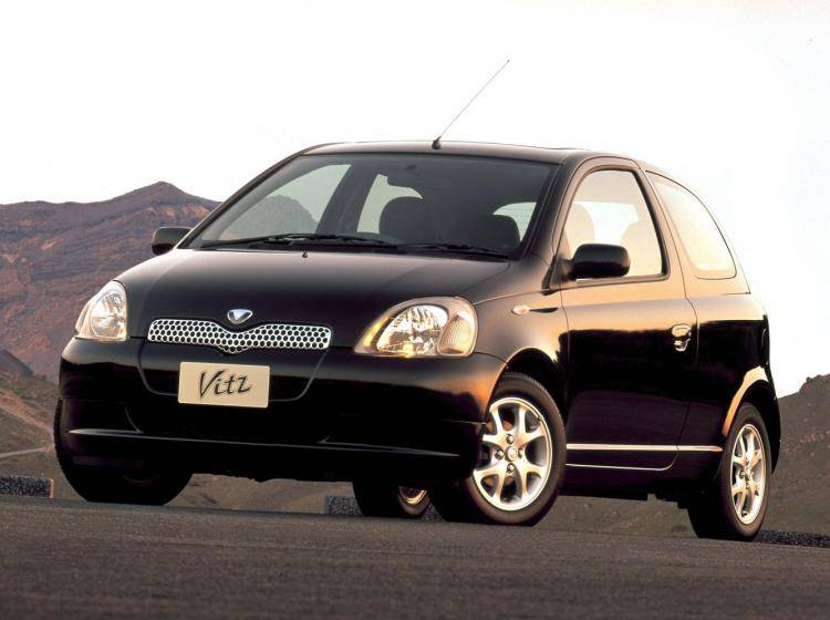 Toyota Vitz P10 1.0 AT (70 л.с.) хэтчбек 5 дв.