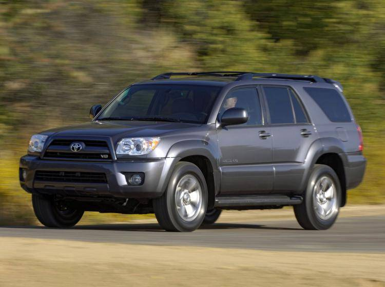 Фото Toyota 4Runner IV рестайлинг - схожий с Toyota Land Cruiser 70
