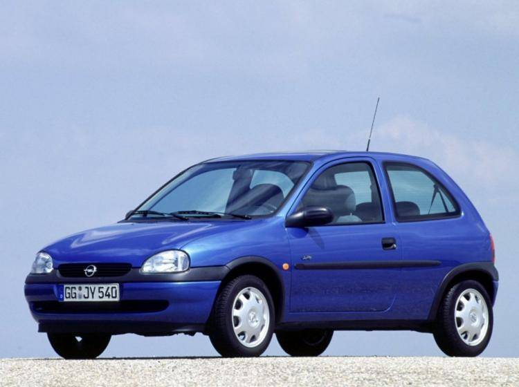 Фото Opel Corsa B - конкурент Honda City II