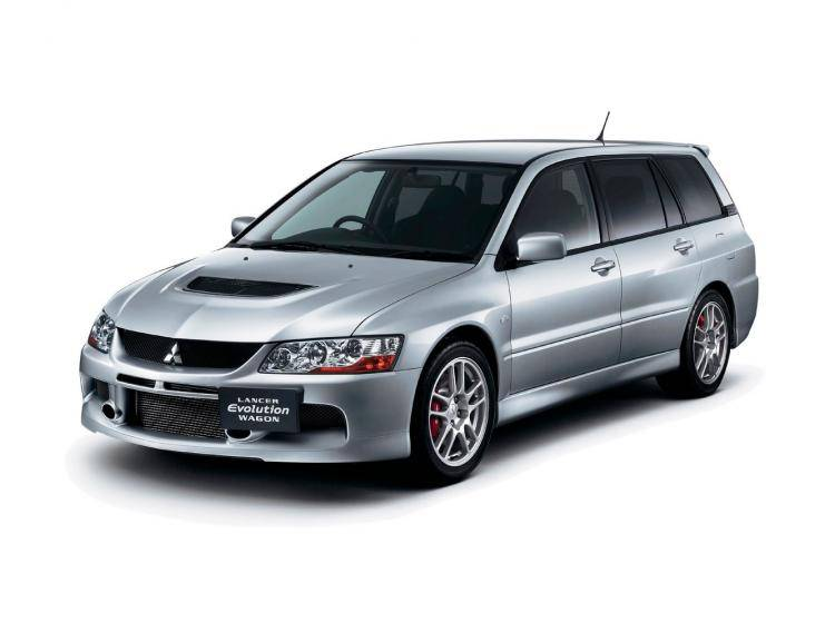 Фото Mitsubishi Lancer Evolution IX - схожий с Ford Focus (North America) II