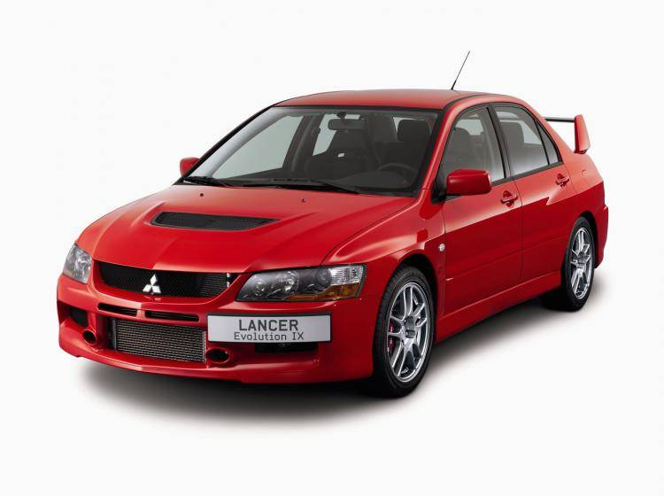 Фото Mitsubishi Lancer Evolution IX - конкурент Honda Civic Type R VIII
