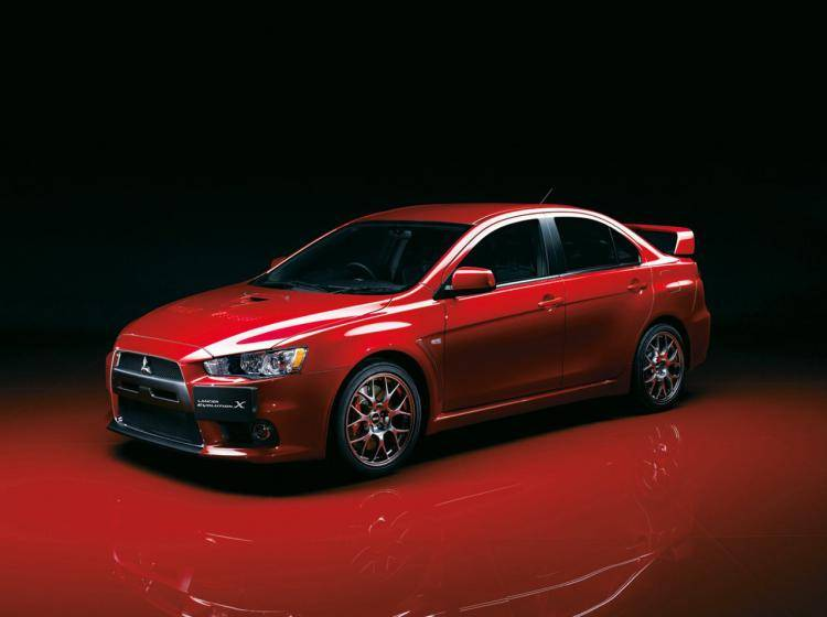 Фото Mitsubishi Lancer Evolution Х - схожий с Ford Focus (North America) II