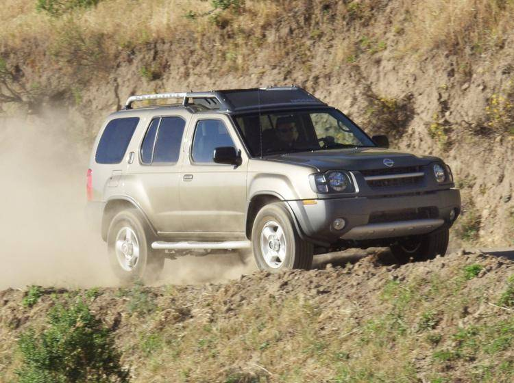 Фото Nissan X-Terra WD22 рестайлинг - конкурент Isuzu Trooper II