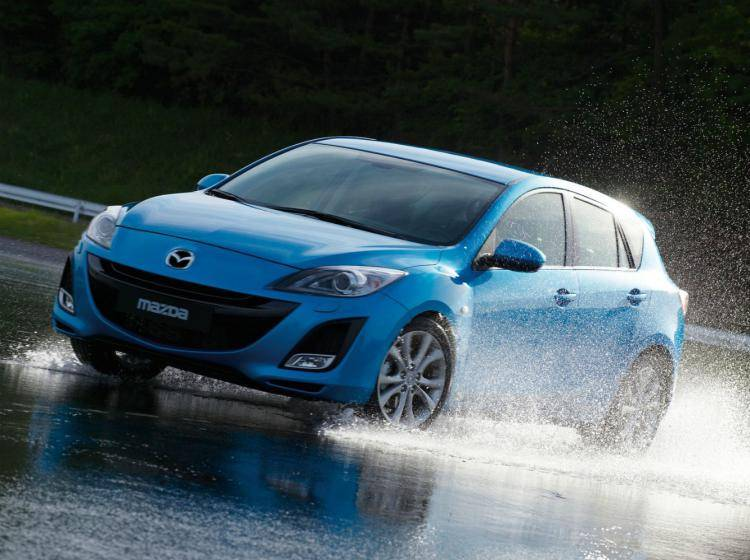 Фото Mazda 3 BL - схожий с Ford Focus (North America) II