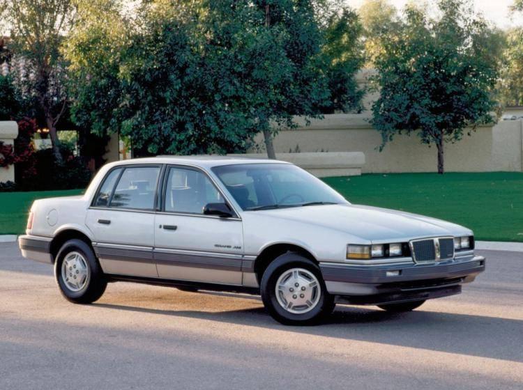 Фото Pontiac Grand AM III - конкурент Honda Accord IV