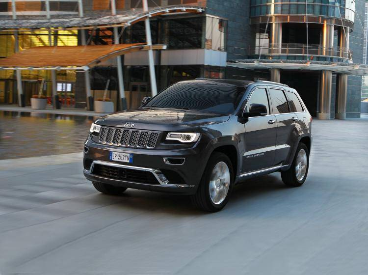 Фото Jeep Grand Cherokee WK2 рестайлинг - схожий с Jeep Grand Cherokee SRT8 WK2