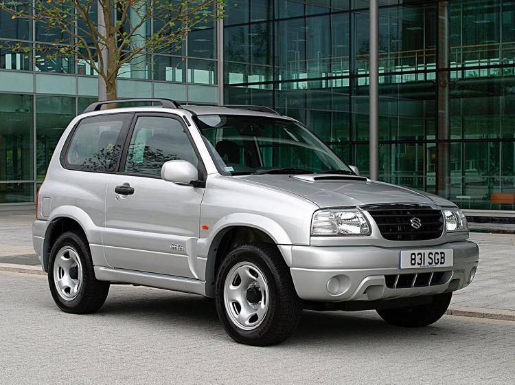 Фото Suzuki Escudo II - схожий с Toyota Land Cruiser 70