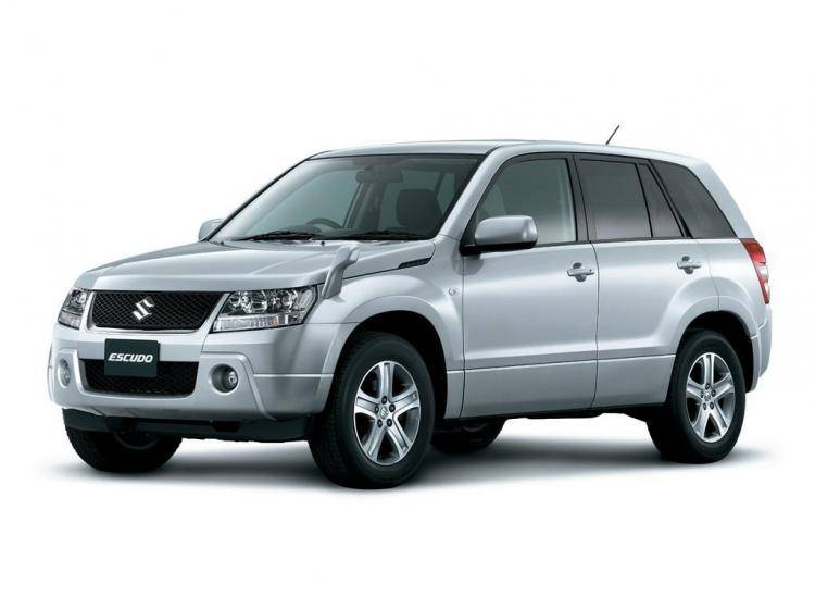 Фото Suzuki Escudo III - схожий с Toyota Land Cruiser 70