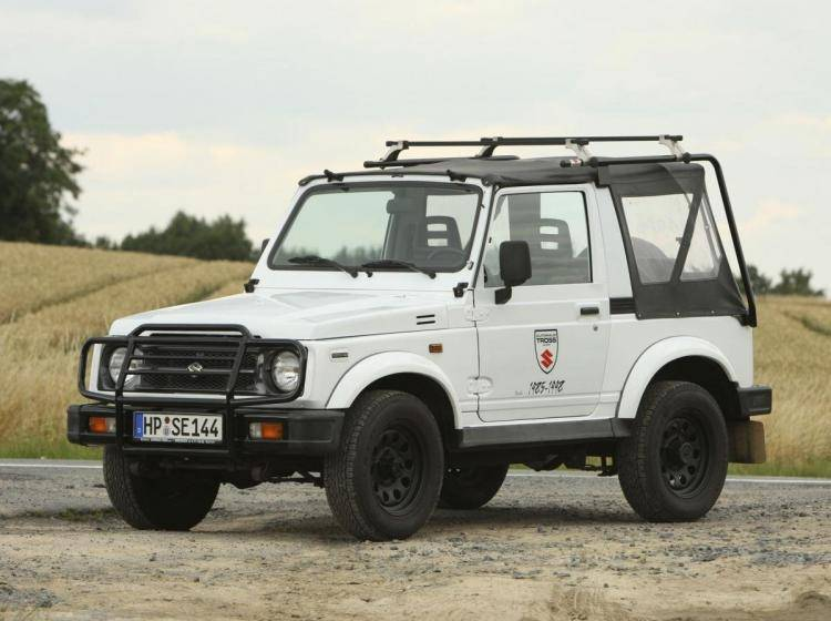 Фото Suzuki Jimny II - конкурент Toyota Land Cruiser 80