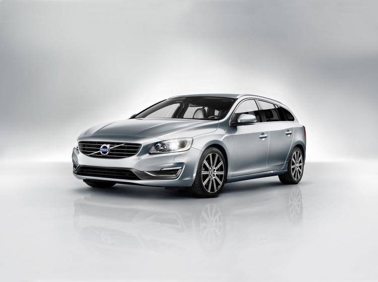 Фото Volvo V60 I рестайлинг - конкурент Skoda Superb II рестайлинг