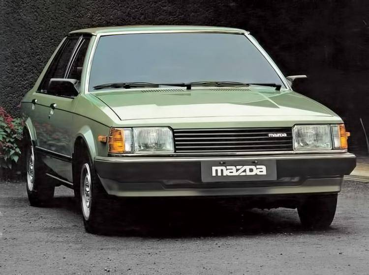Фото Mazda 323 BD - конкурент Honda City II