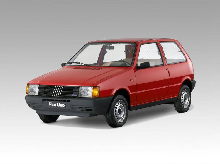 Фото Fiat UNO I - конкурент Honda City II